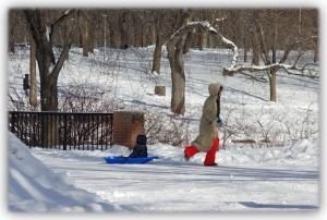 Premiers pas d'apprentissage dans le rigoureux hiver mêlé de cette mystérieuse froidure venue d'on-ne-sait-où